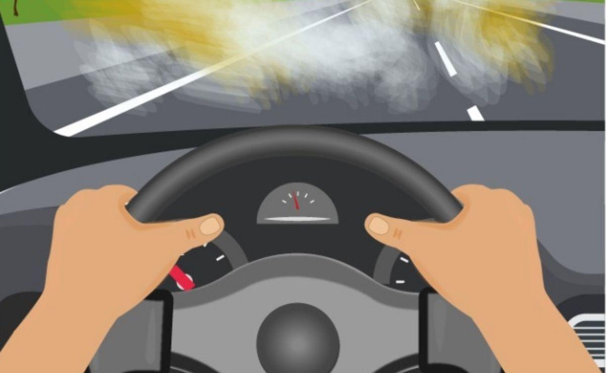 El huevo estrellado es una nueva modalidad de robo empleada por parte de delincuentes la cual consiste en estrellar un huevo en el parabrisas de un vehículo en movimiento.