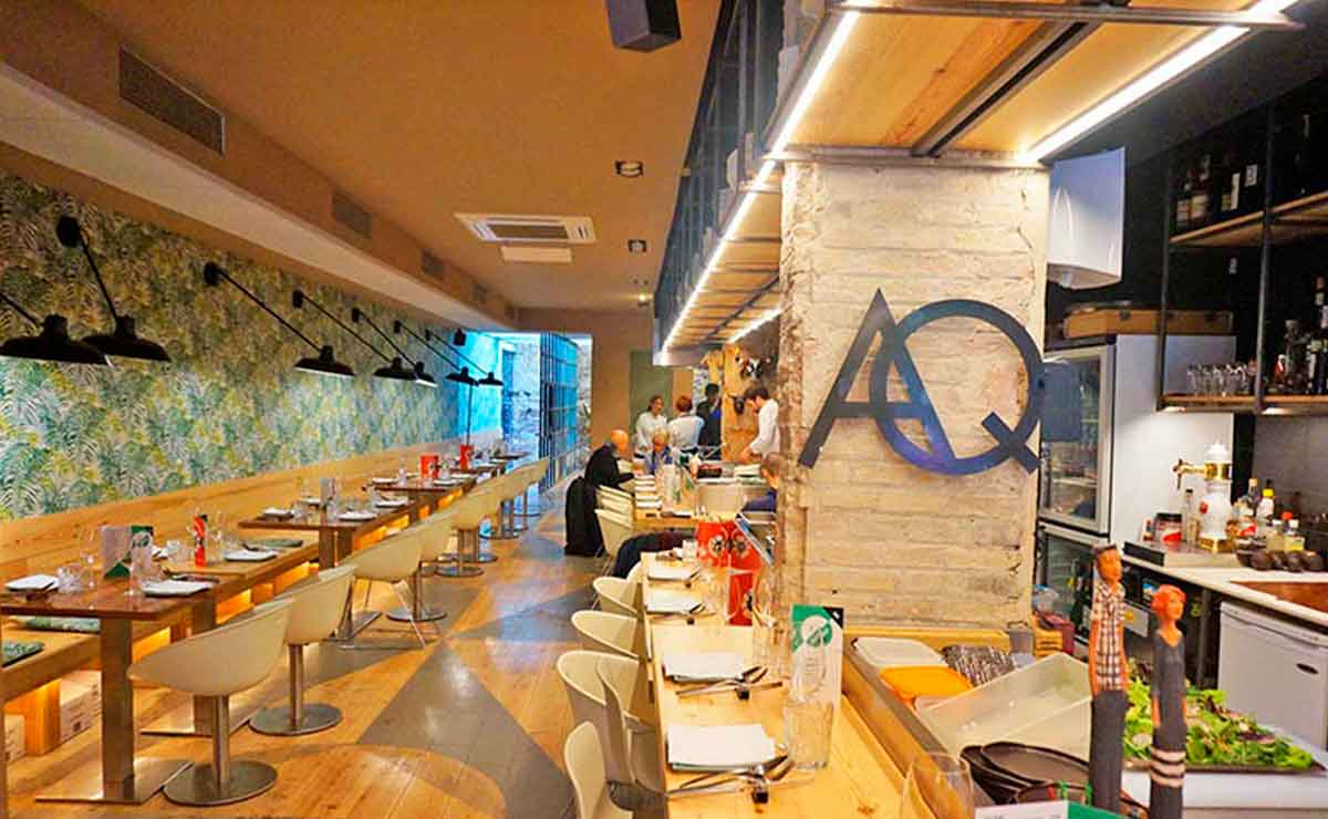 Influencer pide comer gratis en restaurante. Le dicen que no.