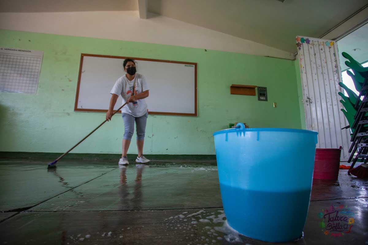 Escuelas de Toluca se preparan para regresar de nuevo a clases
