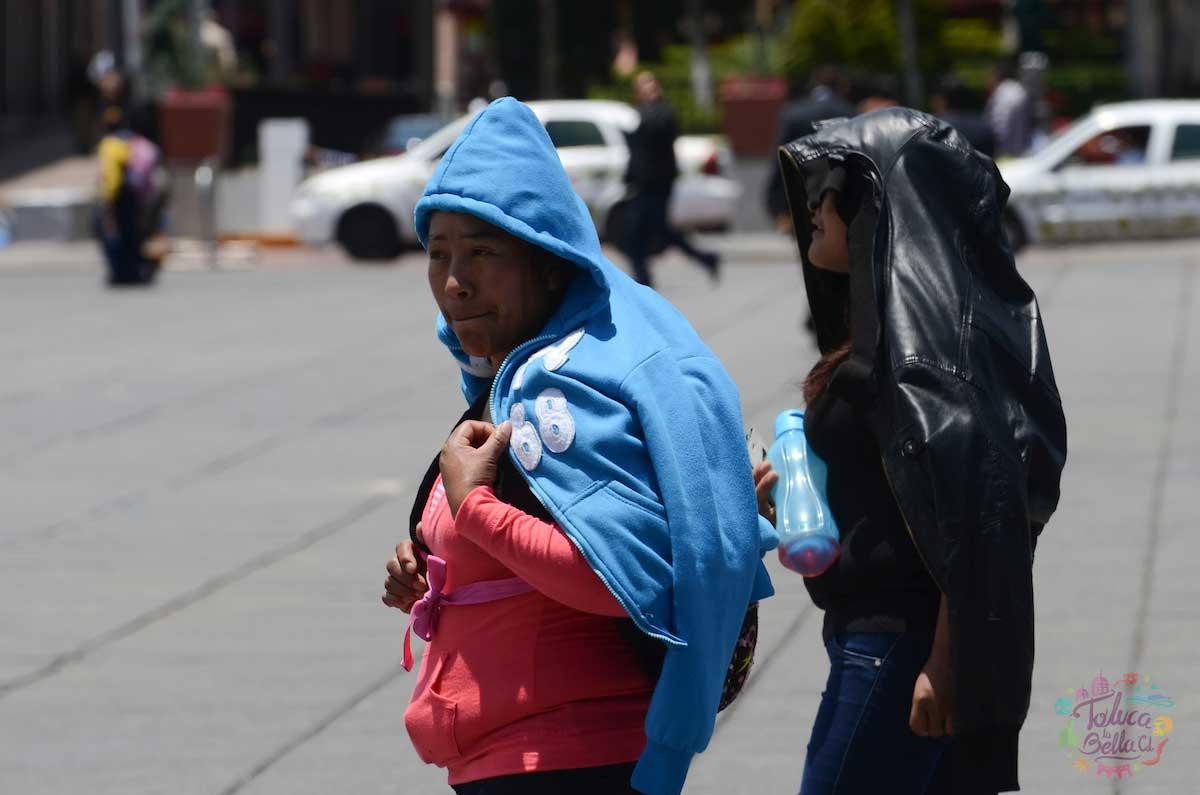 Las personas deben de salir bien protegidas para no sufrir con el golpe de calor de esta época de Canícula