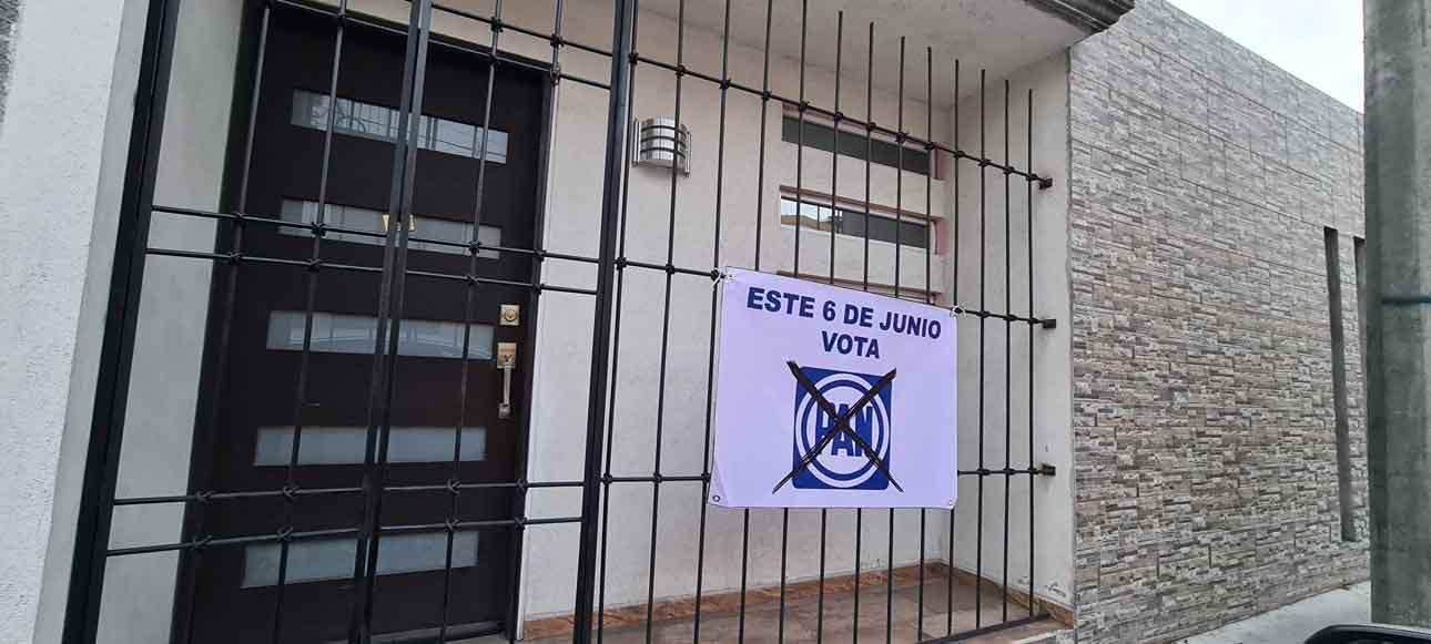 Propaganda sin autorización del Partido Acción Nacional en Toluca, Edomex