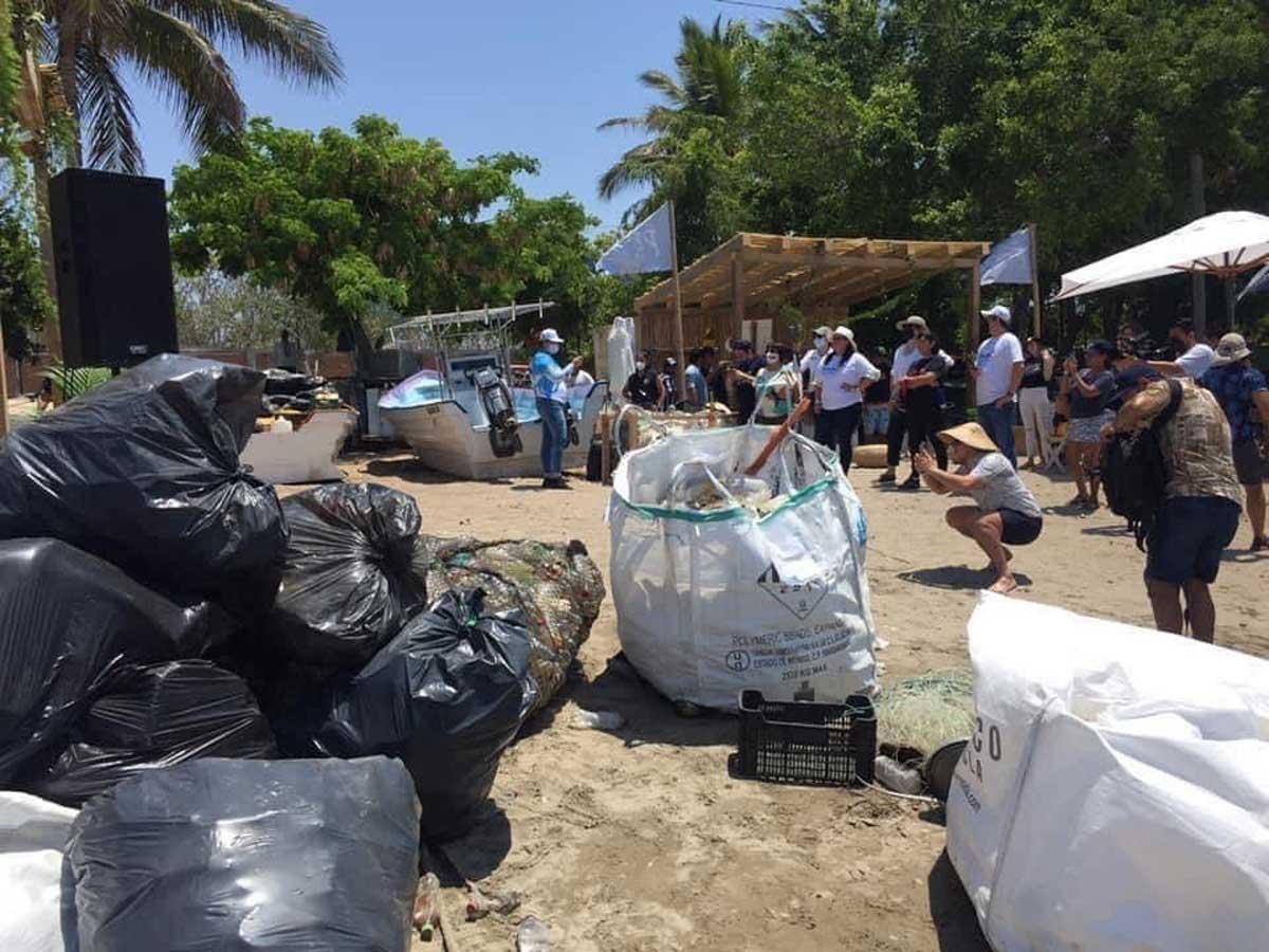 Pescadores organizan torneo de pesca de plásticos para ayudar a la limpieza de las playas