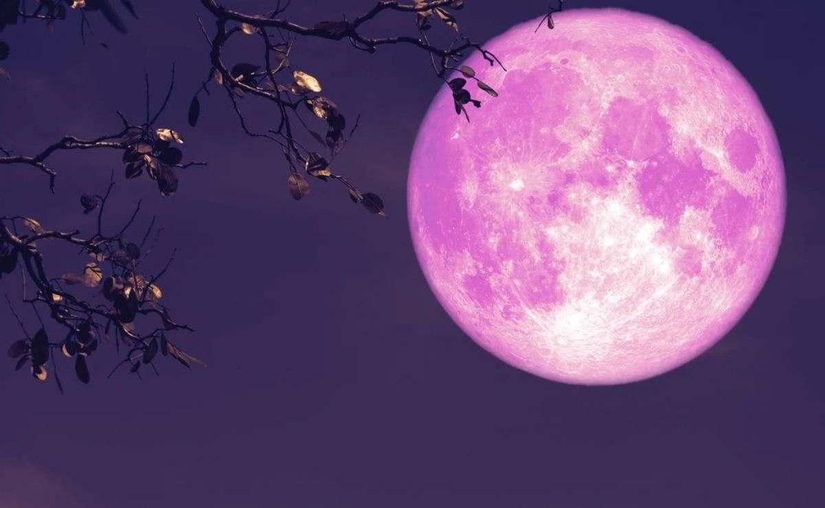 La superluna de fresa recibe este nombre debido a que las tribus americanas asociaban a la Luna Llena de junio con la temporada de recolección de fresas.