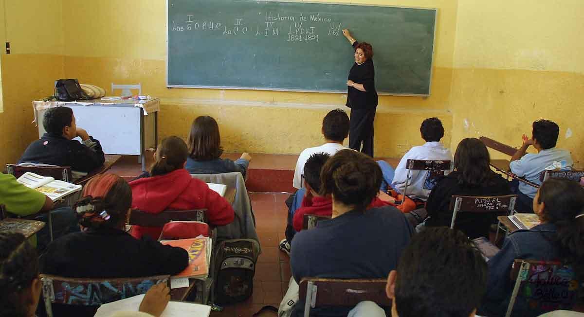SEP da oferta laboral para ser docente de eduación básica