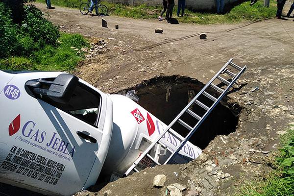 Nuevo socavón en Puebla