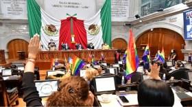 diputados votando por la ley de identidad de género en edomex