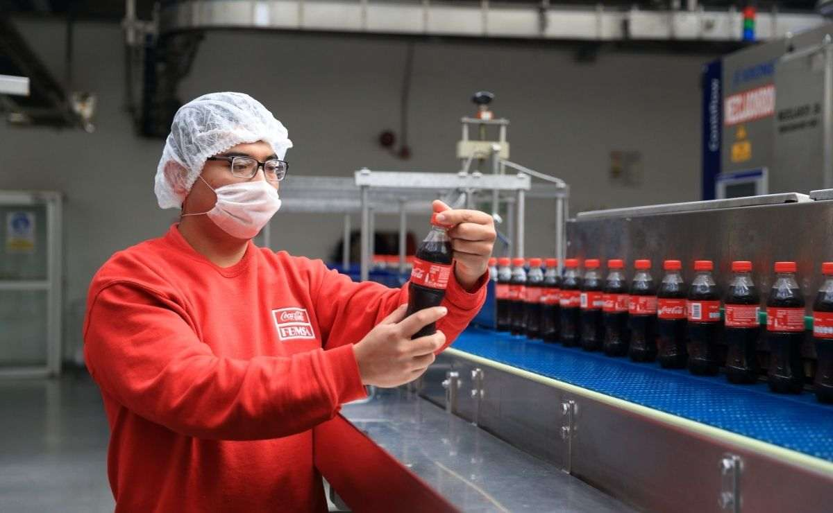 Coca Cola se encuentra buscando ayudantes generales, auxiliar de tienda, mecánicos, supervisores de campo y repartidores en Toluca