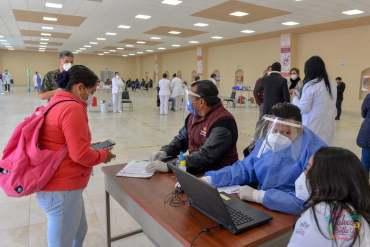 Checa que documentación debes presentar para poder recibir la vacuna contra el COVID-19