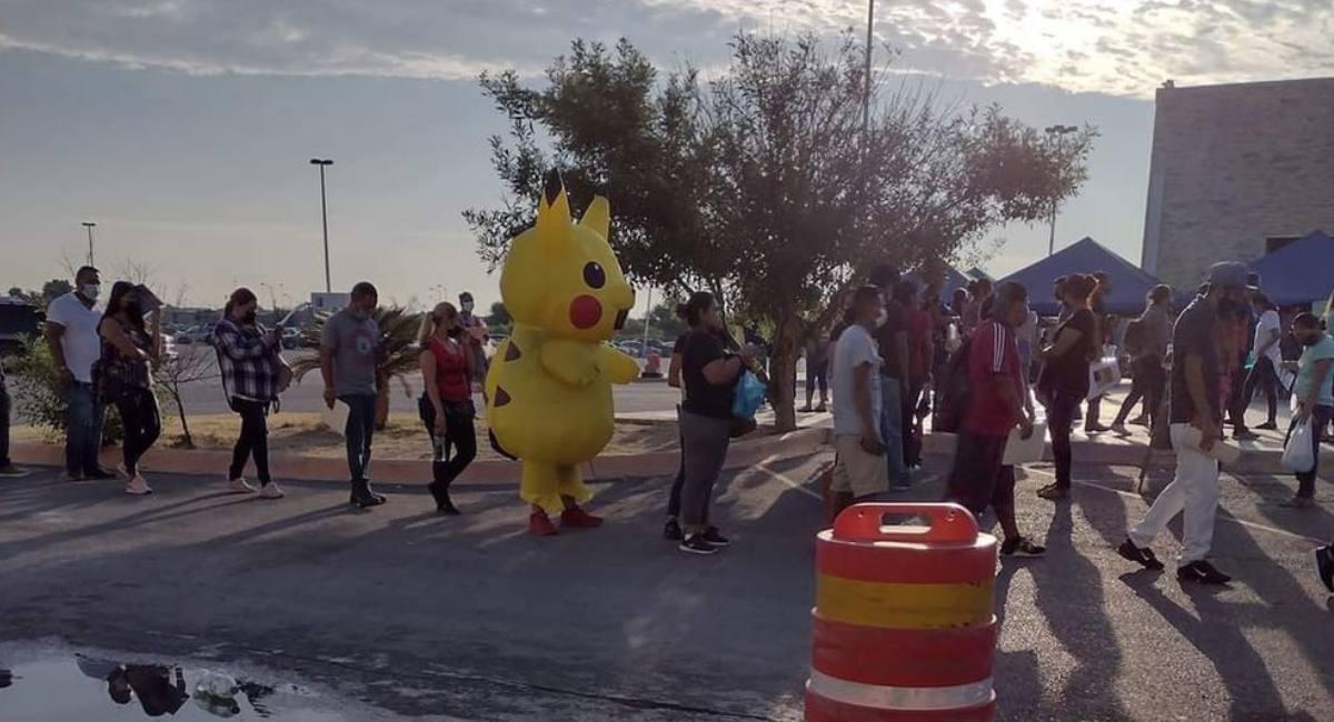 Noticia viral- Pikachu acude responsablemente a recibir la vacuna del COVID-19