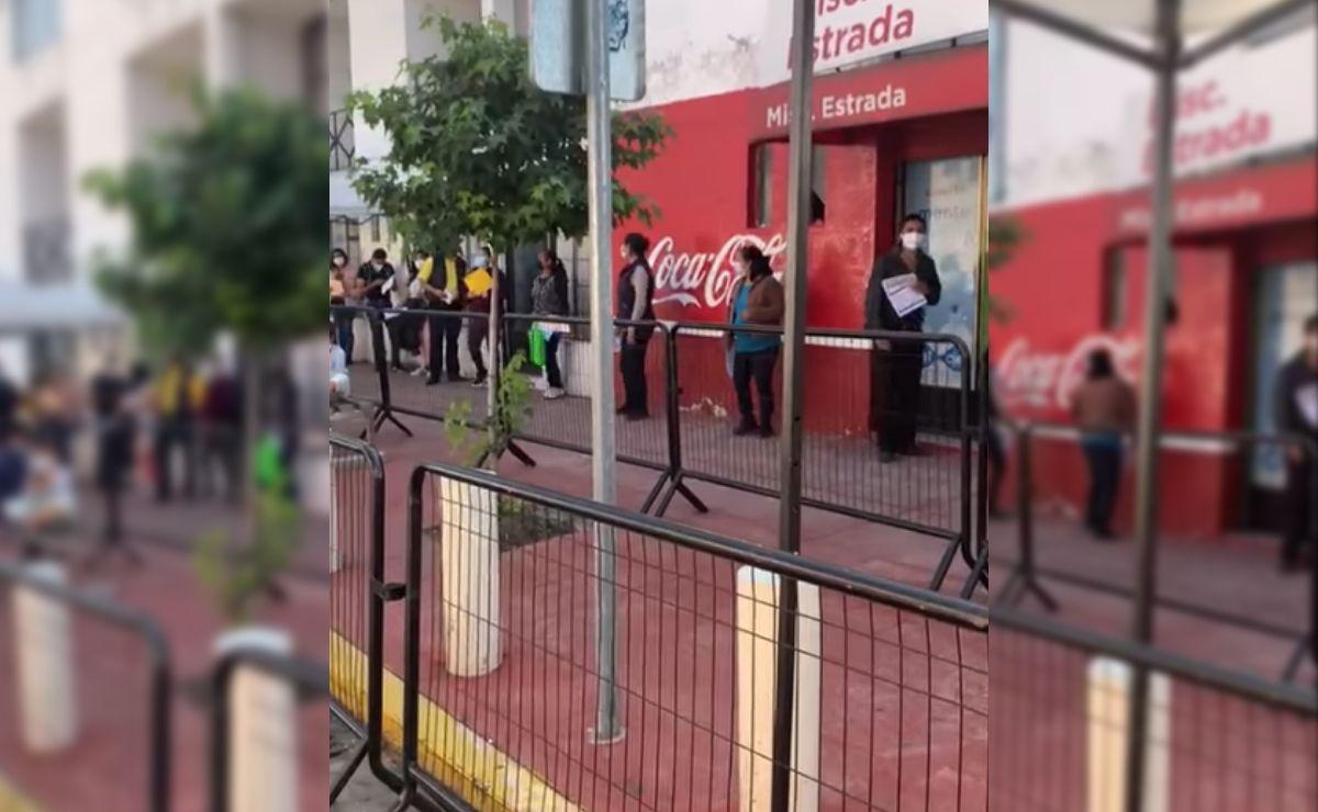 personas de 30 a 39 años bailando Payaso de Rodeo en Toluca