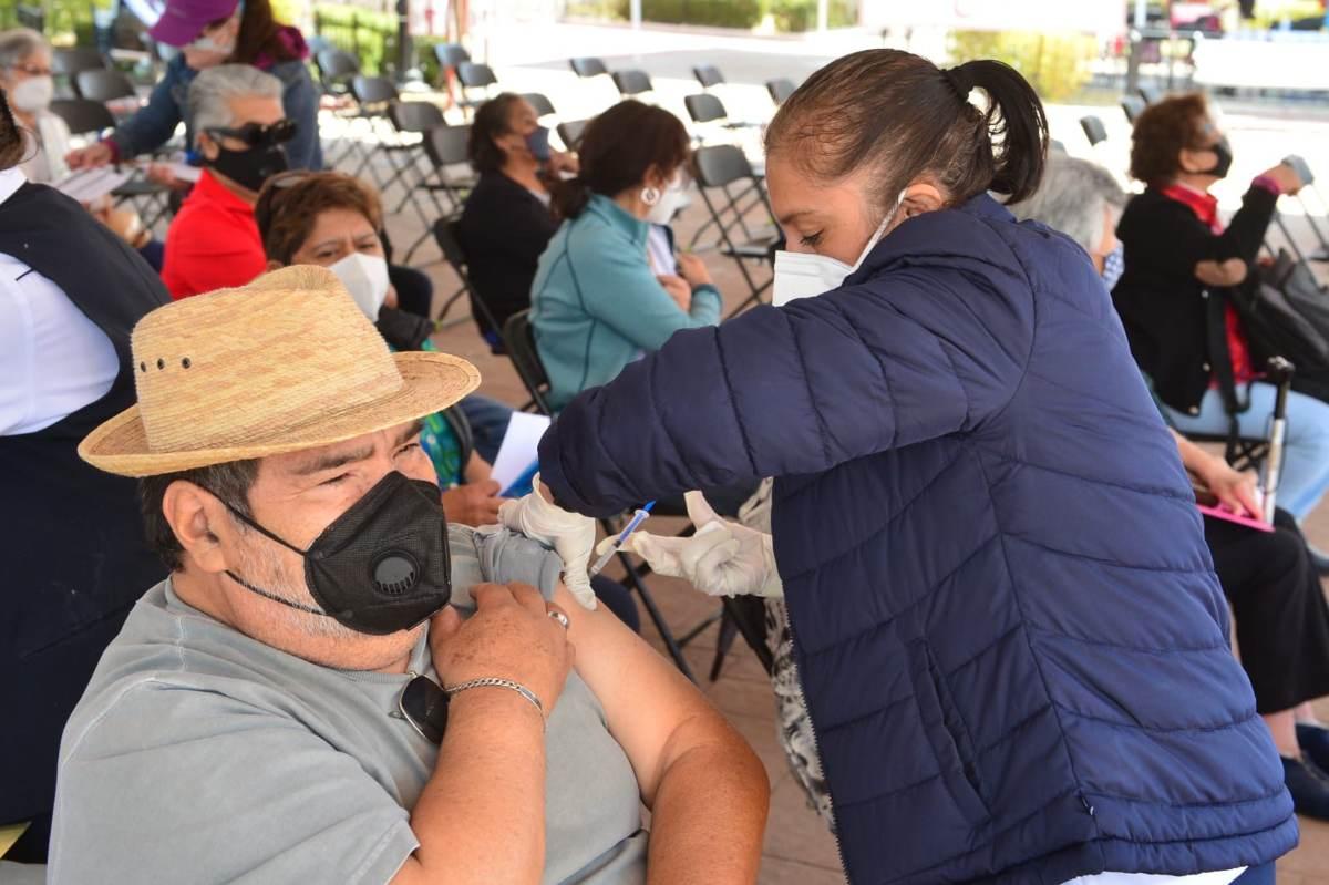 11 municipios mexiquenses aplicarán la vacuna contra el COVID-19 a personas de 40 a 49 años