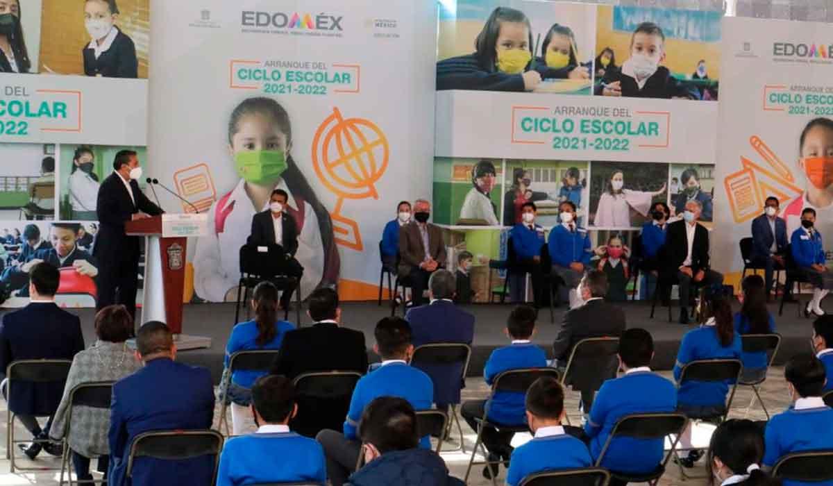 Banderazo de inicio al ciclo escolar 2021-2022 en Toluca