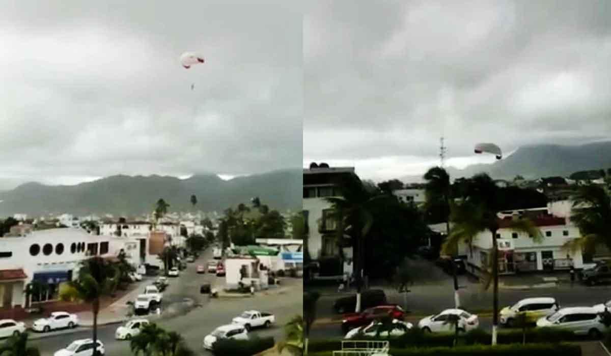 ¡Alta tensión! Joven queda a la deriva tras desprenderse parachute en playa de Puerto Vallarta