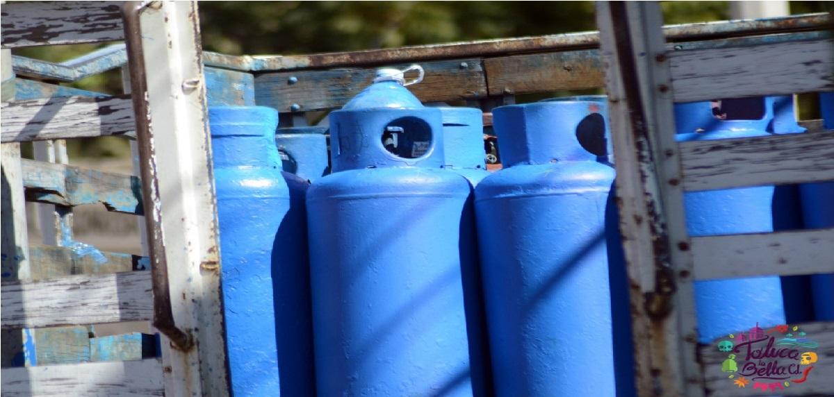 Gaseros del Edomex hacen paro indefinido de labores