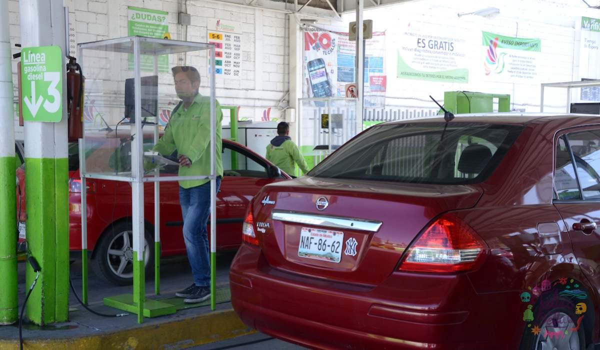 Autos realizando su Verificación vehicular segundo semestre EdoMéx