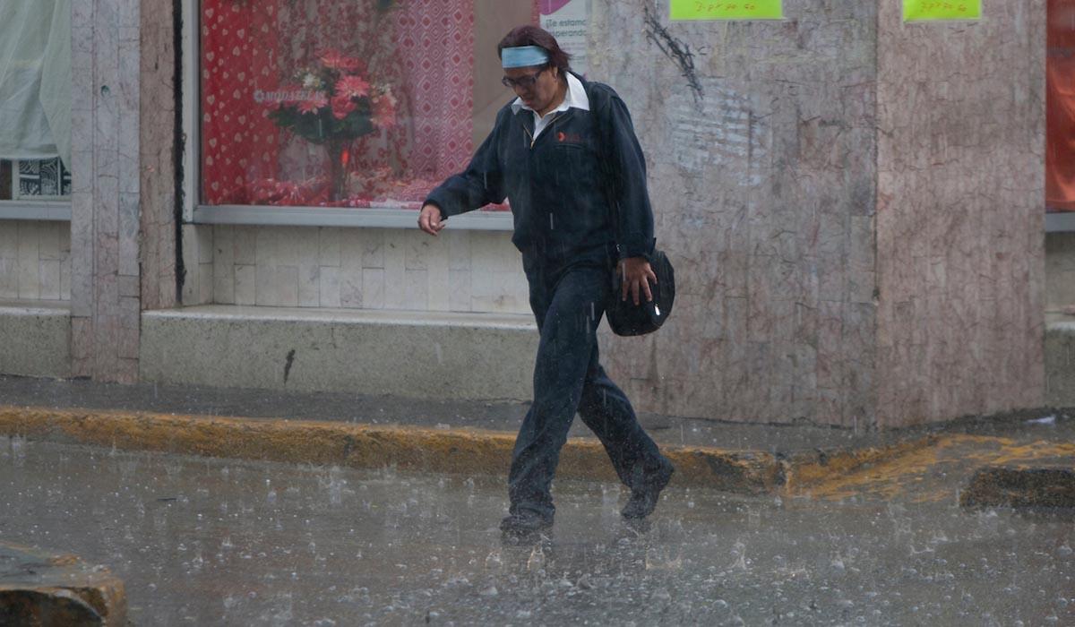Clima en Toluca, lluvias fuertes con descargas eléctricas y granizo