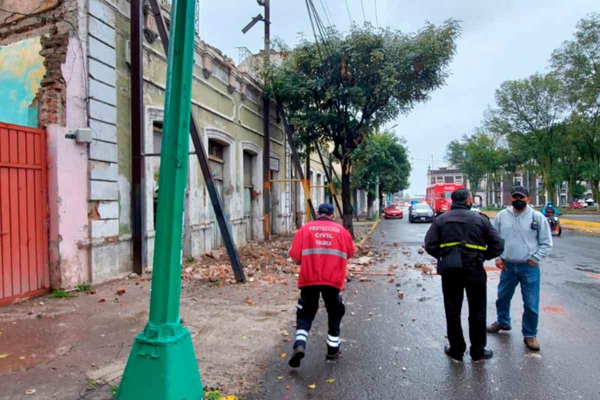 colapsa inmueble en toluca tras el paso del huracan Grace el pasado sabado