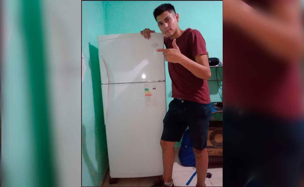 Joven se vuelve viral por presumir su refrigerador.