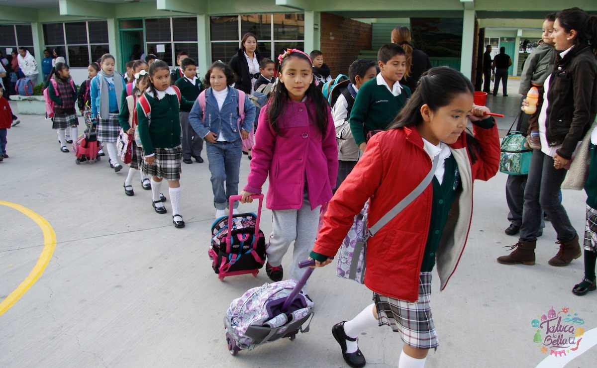 Entrada de alumnos a una escuela mexiquense SAID 2021