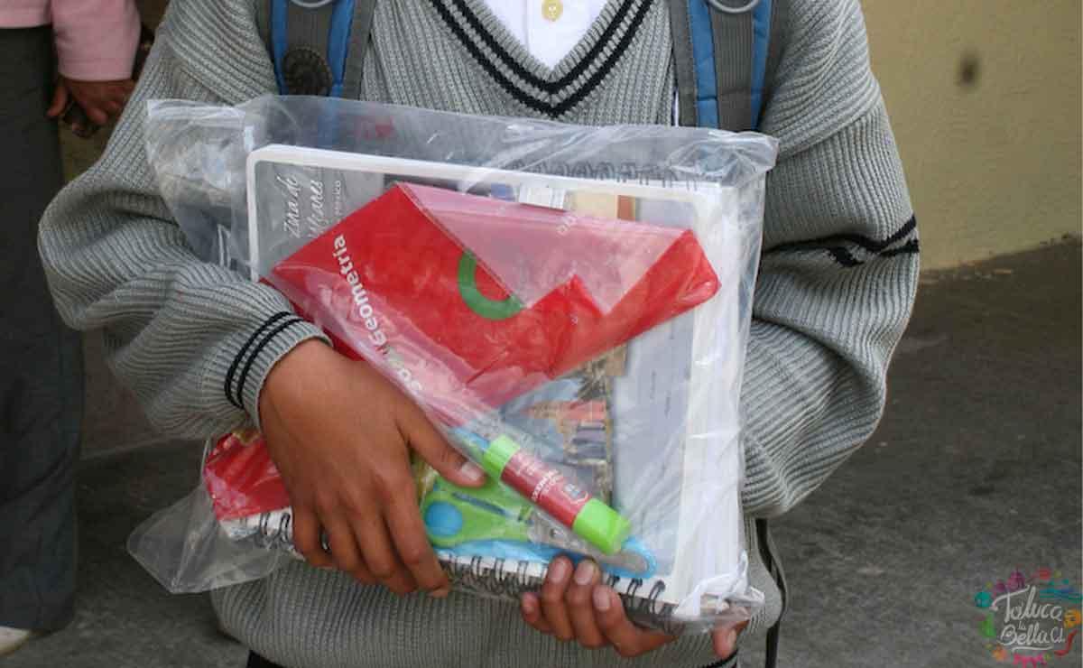 ¿Cuándo se entregan los utiles escolares 2021 en el Estado de México?
