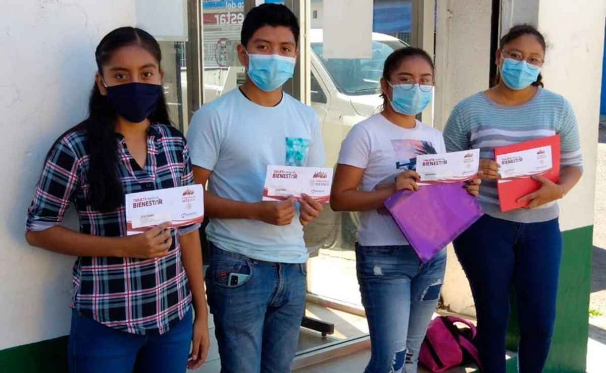 Las Becas Bienestar Benito Juárez ofrece mil 600 pesos para estudiantes de preescolar, primaria y secundaria