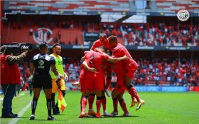 Toluca Fc golea a Tigres con estreno de refuerzo