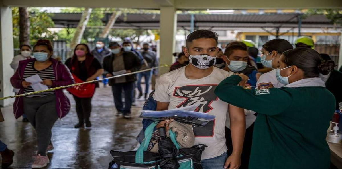 ¿Qué vacuna aplicarán a los jóvenes de 18 a 29 años en Toluca?