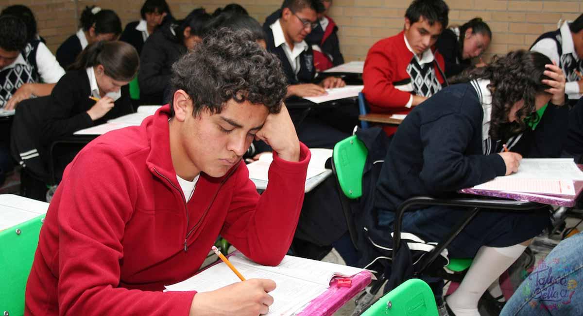 Becas Jóvenes escribiendo el futuro: así podrás recibir 9,600 pesos