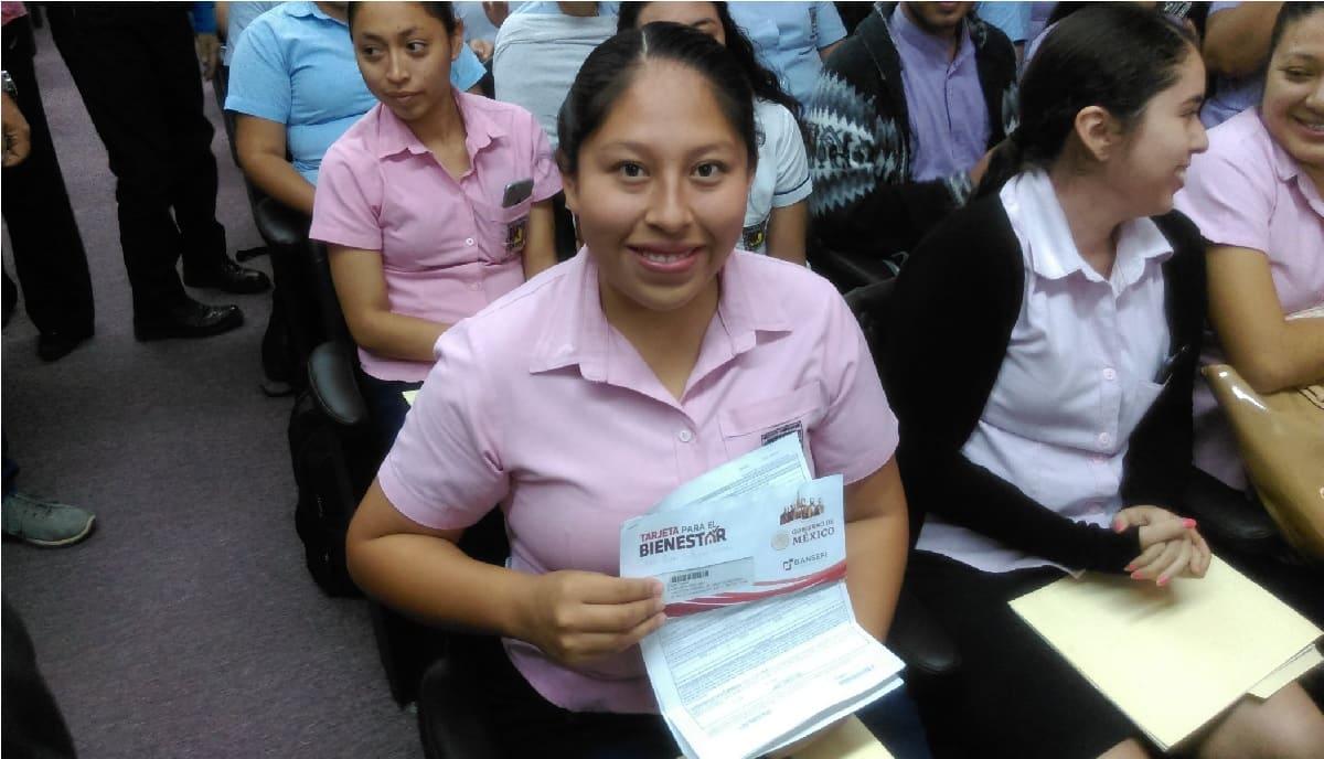 Jóvenes Escribiendo el Futuro 2021 ha abierto su registro por 9 mil 600 pesos