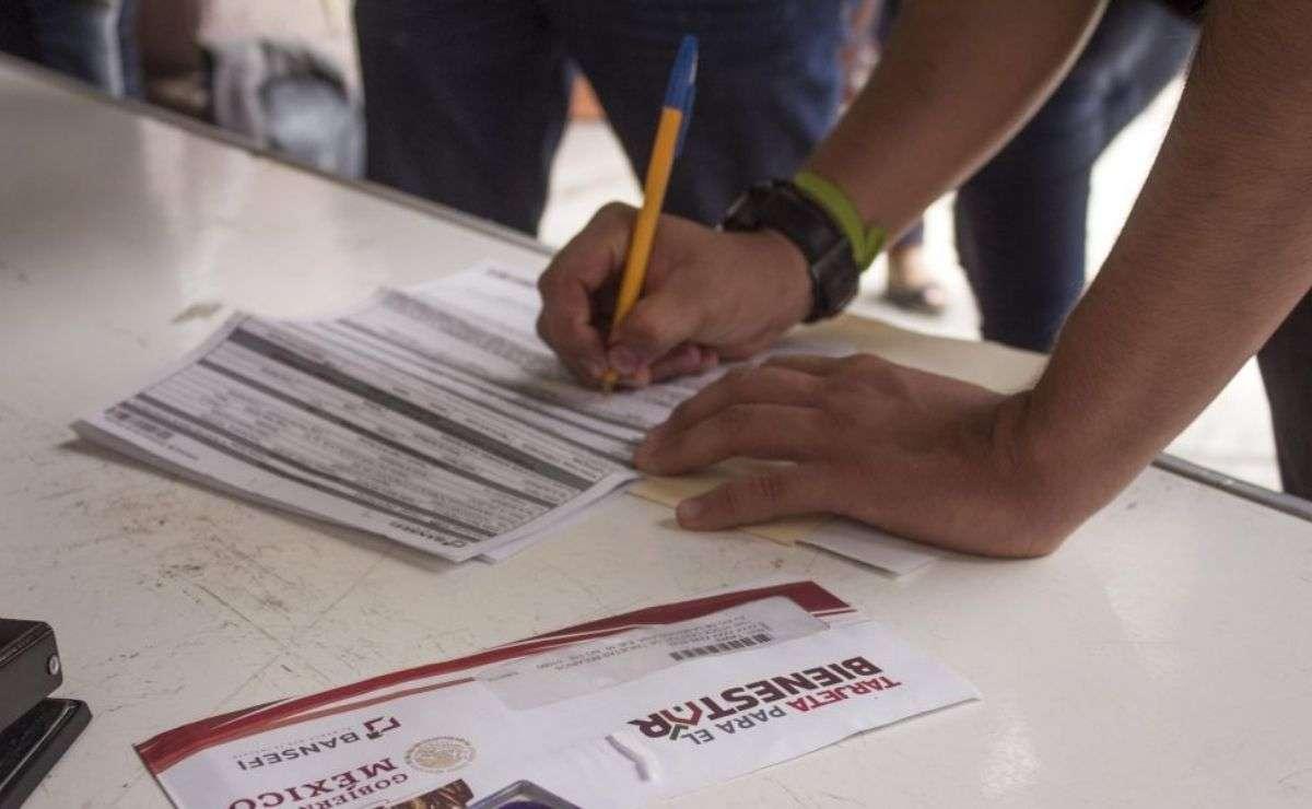 consulta los requisitos de las Becas Bienestar Azteca Benito Juárez para preescolar, primaria y secundaria