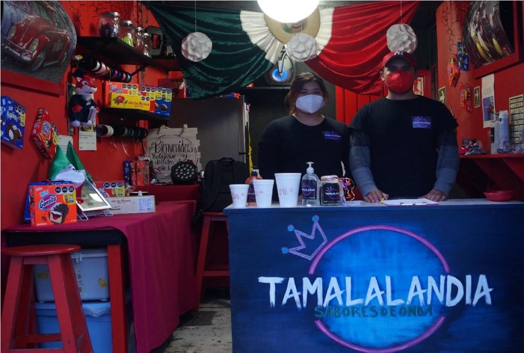 noche mexicana con tamales y atole