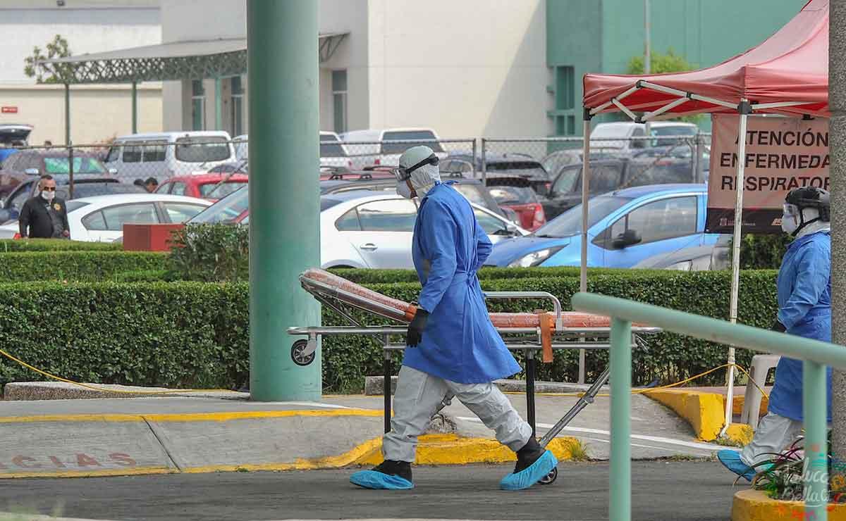 Edomex: Paciente de covid-19 escapa de hospital con todo auto