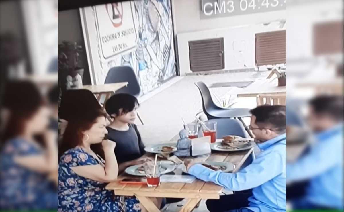 Sorprenden a familia que se quita cabellos y los pone en su comida para comer gratis en restaurante