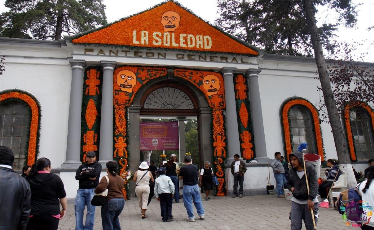 ¿Abrirán los panteones de Toluca en Día de Muertos 2021?