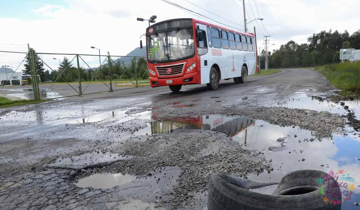 Noticias Toluca – Conductores sufren por los gigantescos baches
