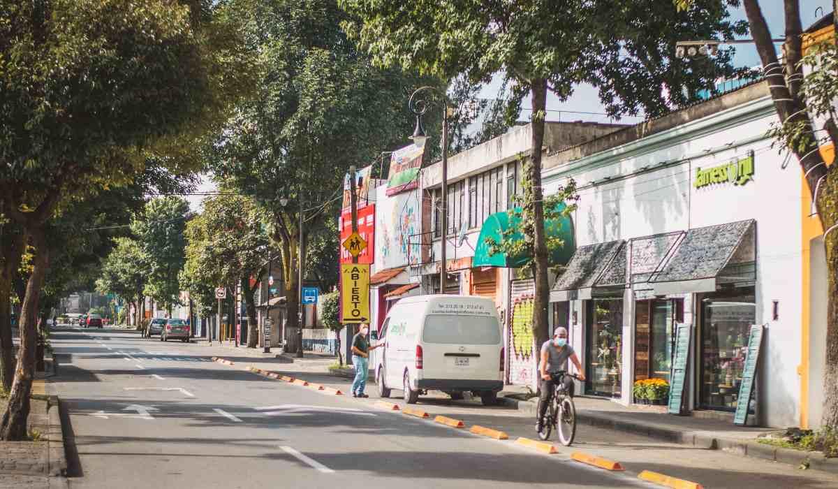 Noticias Toluca - Automóviles se adueñan de las ciclovías de la ciudad