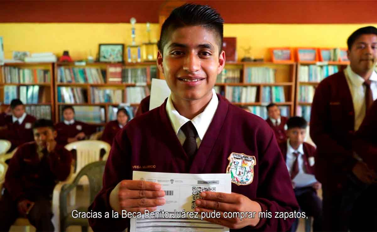 ¿Cuándo cae la beca Benito Juárez 2021? Fechas de pago de los 3 200 pesos para preparatoria