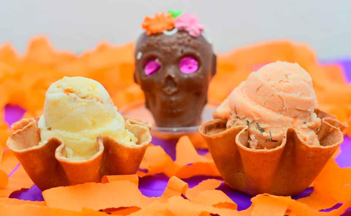 ¡Día de Muertos en Toluca! Prueba el rico helado de Cempasúchil y pan de muerto