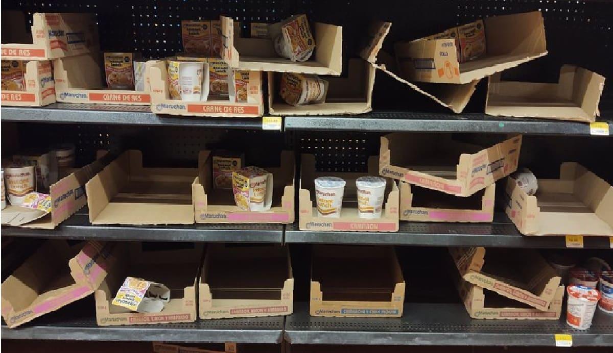 Mexicanos hacen compras de pánico de Maruchan y dejan los estantes vacíos