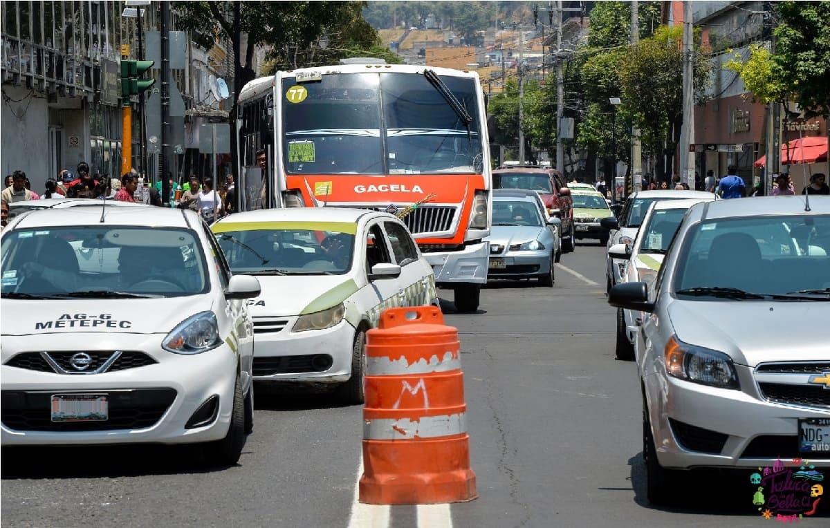 Transportistas de Toluca preparan paro por eliminación de rutas en el Centro Histórico
